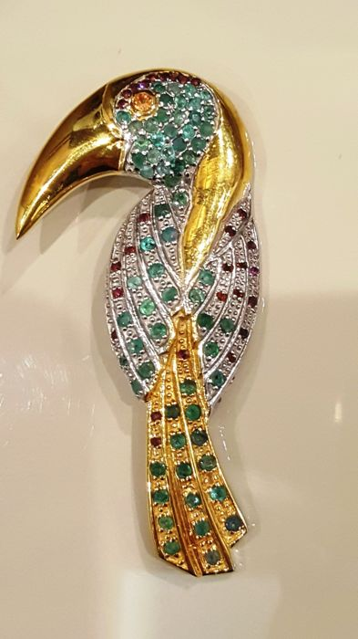 Artistic 18kt gold plated 925 silver Toucan Brooch - with Gemstones
