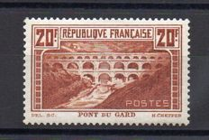 France 1929 – Pont du Gard 20f cauldron type I – Yvert 262A