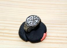 Medieval tin bronze ring with snowflake  - D14 mm