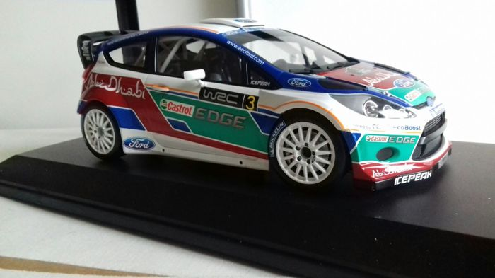 Minichamps - Schaal 1/18 - Ford Fiesta WRC #3 Presentation Car 2011  - Limited 1002 pcs