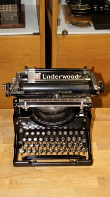 Typewriter Underwood 5