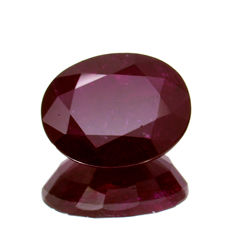 Red ruby - 3.50 ct