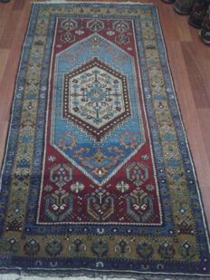 105x210 cm Turkish rug