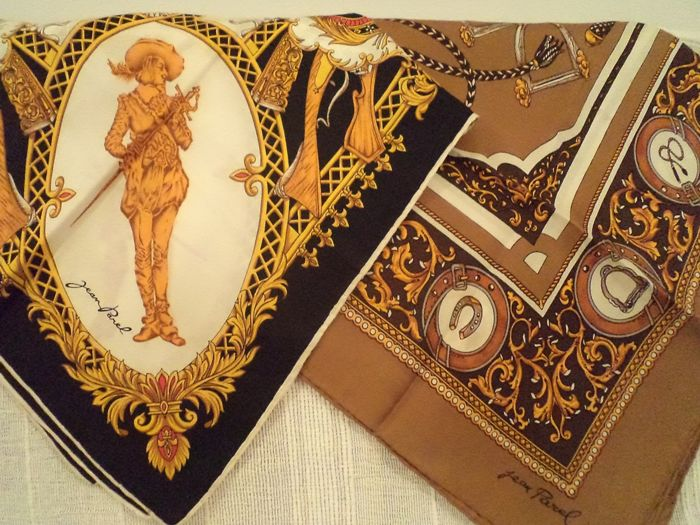 Two equestrian silk scarves - Jean Parel - Equestrian pattern and Les Mousquetaires du Roi - France