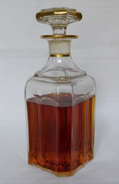 Baccarat whisky decanter enhanced with fine gold, mid 19th century