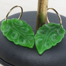 18 kt gold hoop earring with Jade leaf 29 x 16 mm