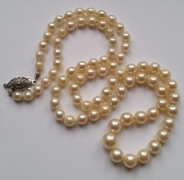 white pearl necklace hanadama akoya