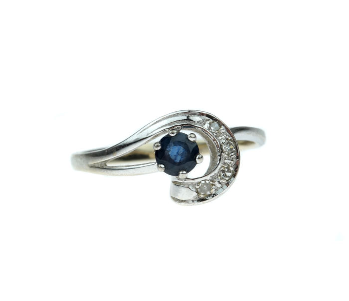 14 kt gold fantasy ring, set with diamonds and sapphire, ring size: 17