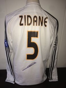 Zinedine Zidane / Official Signed Real Madrid Adidas Uefa Champions League shirt + COA and Photoproof.