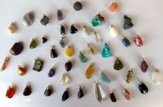 Large lot of semi-precious and Mineral pendants - 14 to 38 mm - 151 g (45)