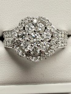 18 kt white gold fantasy ring set with 60 brilliant cut diamonds of 1.50 ct H-PI - ring size 53 / 16.75 mm