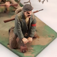 Scale models resistance group and soldiers WORLD WAR II