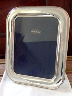 A large silver picture frame - Portugal - 21st century
