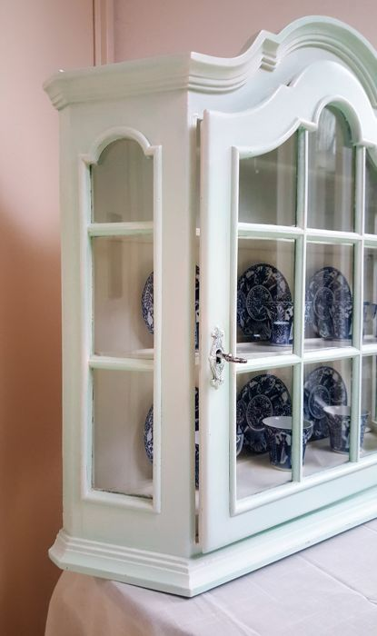 Incroyable A Beautiful Brocante Wall Hanging Display Cabinet