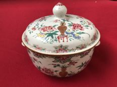 Chinese Famille Rose tureen - China - Qianlong period (1736-1795)