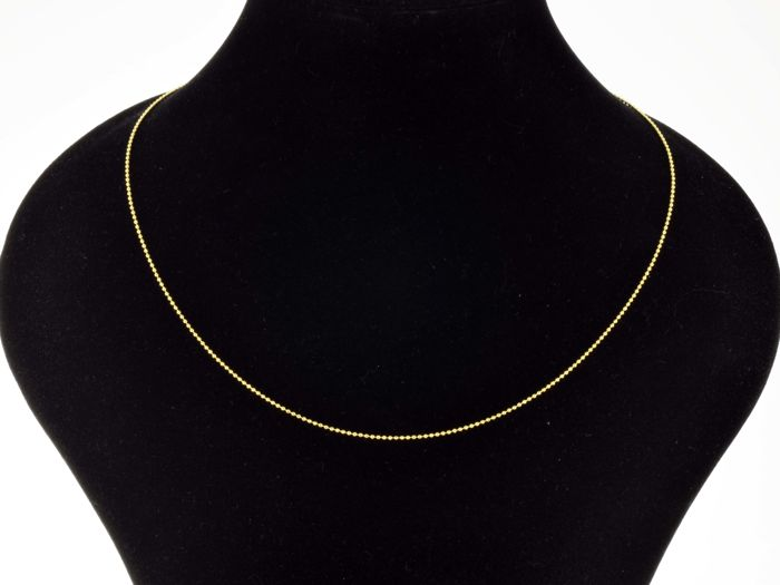 18k Gold Necklace. Chain • Bead • 45 cm. No reserve price.