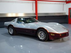 Chevrolet - Corvette Crossfire-Injection 350CI V8 T-top Targa - 1982