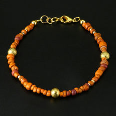 Bracelet with Roman glass beads - jewellery box included