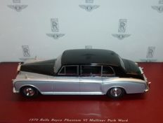 True Scale Miniatures - Scale 1/43 - Rolls Royce Phantom VI Mulliner Park Ward - Colour: Black over Silver