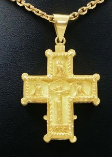 Forged solid mail chain and Christ with Cordoba engravings, in 18 kt gold