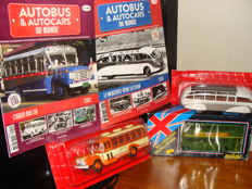 Ixo-Hachette Solido - Scale 1/43-1/50 - Lot of 3 Autobus et autocars du Monde; Isuzu Bxd30, Mercedes Benz Lo 3100 with booklets and Double Decker London bus