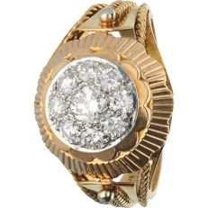 18 kt - Yellow gold ring set with 9 brilliant cut diamonds of approx. 0.60 ct in total - Ring size: 19.25 mm