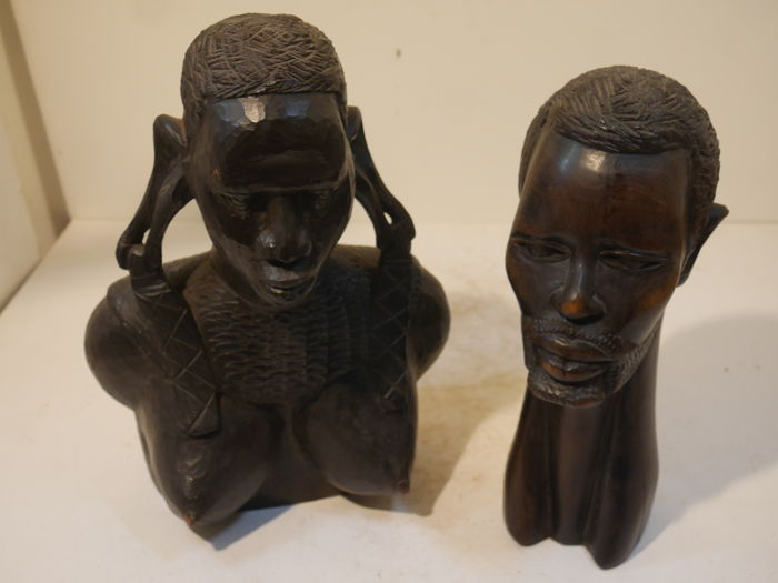 Sculptures - 2 pieces - Male and female, Kenya - Africa
