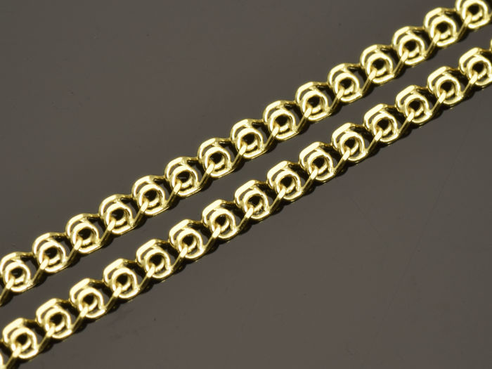 18k Gold Necklace. Chain. Length 45 cm.