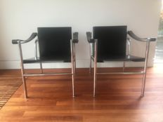 Le Corbusier, Pierre Jeanneret and Charlotte Perrland by Cassina - 2 armchairs LC-1