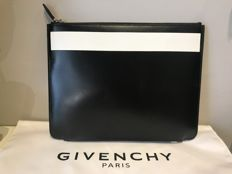 Givenchy - Clutch - New