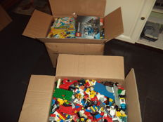 Assorted various different building blocks 35.25 kg + several booklets