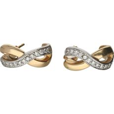 14 kt - Bi-colour earrings set with 24 single cut diamonds of approx. 0.24 ct in total - Length x width: 1.5 x 1.2 cm
