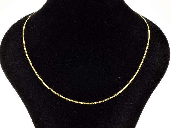 18k Gold Necklace. Chain. Length 50 cm.