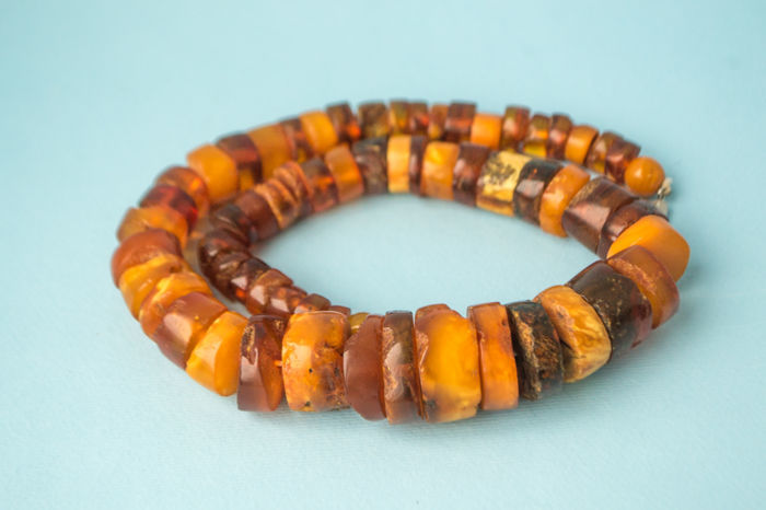Baltic Amber vintage necklace in old honey butterscotch egg yolk colour, 75 gram