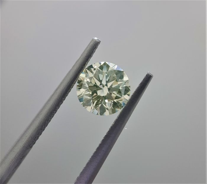1.03ct Natural Round Cut Diamond Fancy Light Green-Yellow I1