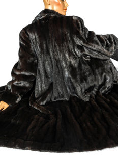 "Long Canadian mink coat ""Black brilliant"" by Therese Ouellet size 38-40 (NL/GER)"
