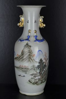 Famille Rose Vase - China - first half 20th century (Republic period)