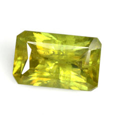 Sphene (titanite): Yellow of 2.18 ct (no reserve price)