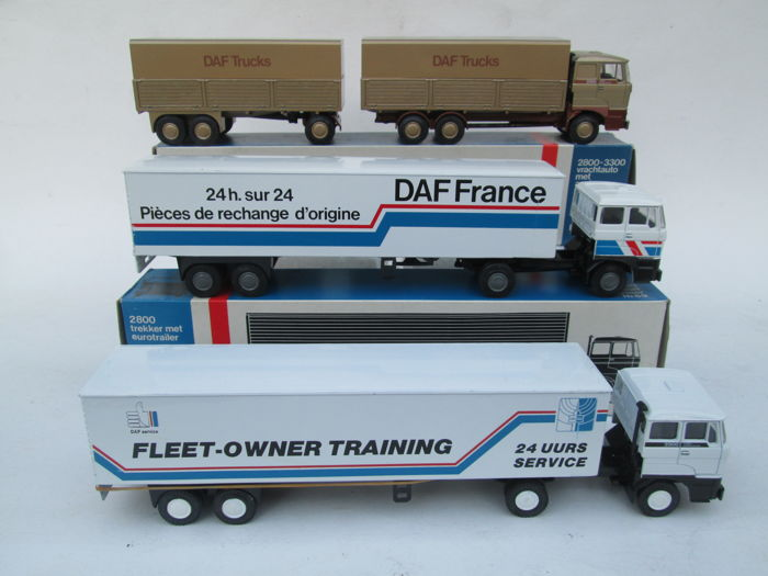 Lion Toys - Scale 1/50 - Lot with 3 models: 4 x Daf & Poster