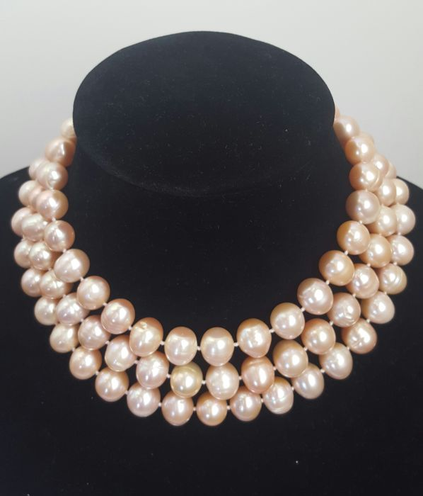 Long necklace with large freshwater cultured peach-coloured pearls - Length: 120 cm