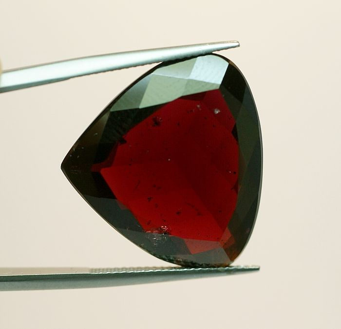 Almandine Garnet - purple-red  38.17 ct