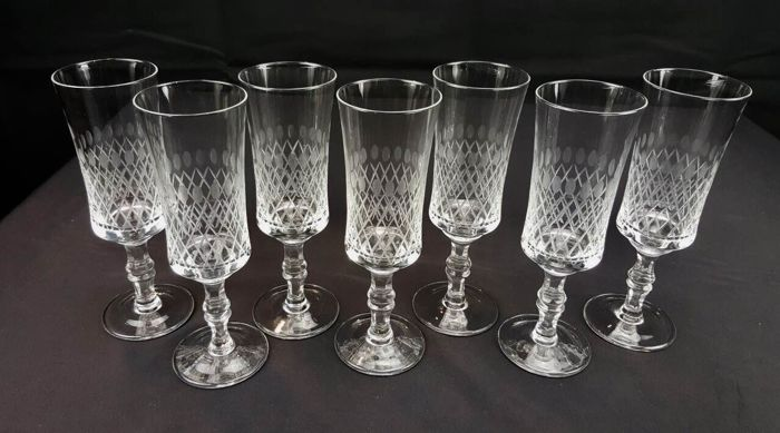 Set of 7 glasses in extremely fine French hand-cut crystal