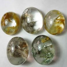 Beautiful picture quartz cabochon 2.6 - 2.2 cm - 217.80 ct - 43.56 gm