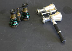 2 x opera glasses, 1 with mother-of-pearl and retractable handle
