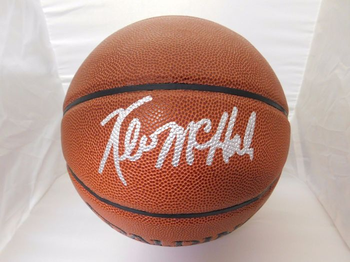 Original basketball Spalding basketball signed by basketball legend Kevin McHale with certificate of authenticity