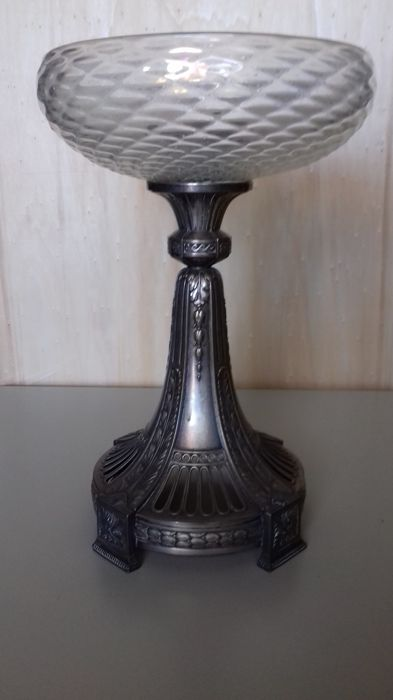 "Plewkiewicz - Warsaw - Silver-plated metal ""alzata"" stand with pressed crystal cup - Poland - c. 1900"