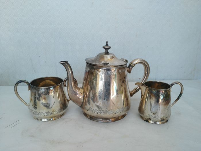 Antique three-piece tea set in English silver by MW &S Warrent Hard Soldered - Origin: England, 1950s
