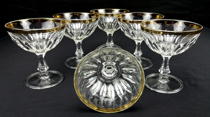 Set of six cups made of beautiful cut crystal with 24 kt gold edges - Italy, 1960s