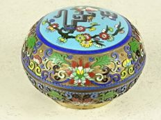 Fine cloisonné and champlevé box - China - second half of the 20th century