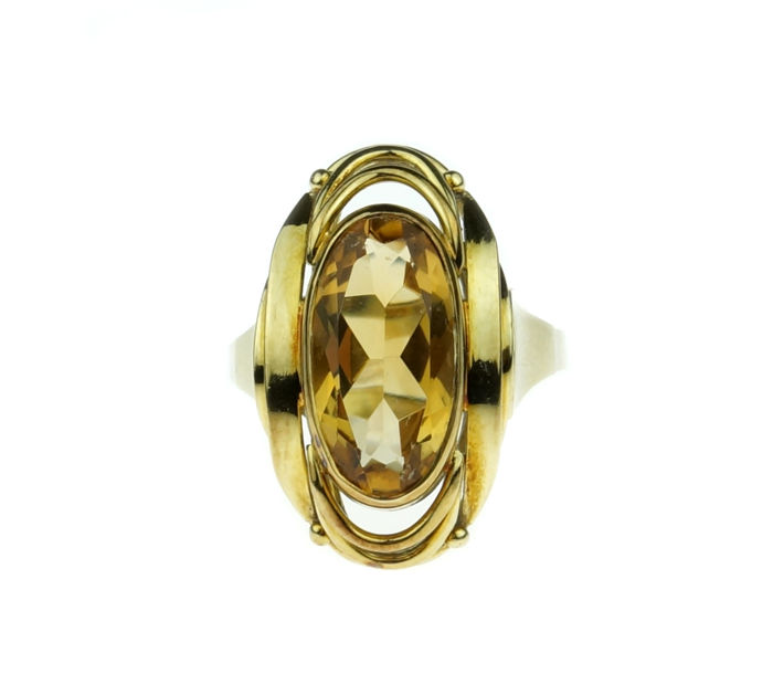 Sturdy 14 kt yellow gold women's ring with Citrine in tooled setting - size 19